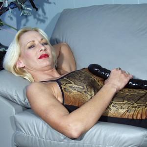 Corina, 42 (ZH)